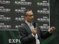 Adolfo Sansolini's presentation at Agrofuturo - Medellín, Colombia, 2014 (photo: Jacobo Jaramillo)